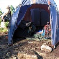Ночью приходил к палатке медведь и натоптал :: Сергей Карцев