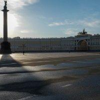 Питер. Утро на Дворцовой площади. :: Олег Козлов