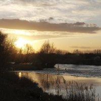закат на реке :: Тамара Бердыева