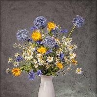 И чая аромат и аромат цветов душисты... :: Лилия *