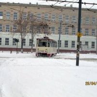 "Трамвай в ""западне"". :: Валентин Деев"