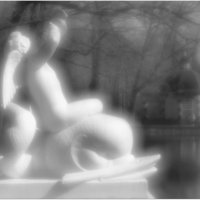 В парке Петродворца. Амурчик на дельфине :: Вера