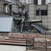 Памятник Василию Корчмину,поручику бомбардирской роты :: Владимир Гилясев