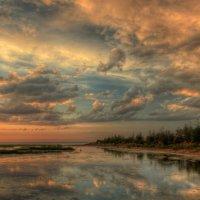 Небо меняет цвет :: Сергей Григорьев
