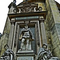 памятник Г. де Колиньи :: Александр Корчемный