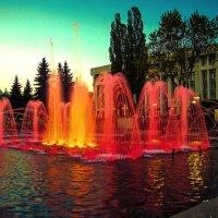 Огни фонтана :: Николай Фролов