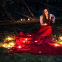 девушка в свечах :: Serj_52Rus