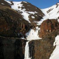 Водопад Красные камни :: Сергей Карцев