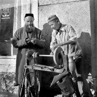 Ташкент.Уличный точильщик :: Валерий Талашов