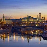 Московский кремль встречает рассвет :: Алексей Назаров
