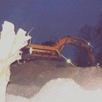 Экскаватор работает ночью. :: Фотогруппа Весна.