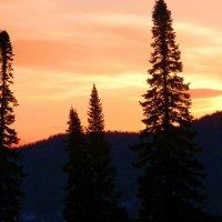 закат в горах Шории :: Евгений Фролов