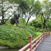 Таиланд. Бангкок. Национальный исторический парк. Статуя :: Владимир Шибинский