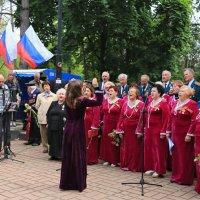 Праздничный хор ветеранов :: Юрий Яловенко