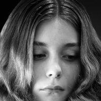 Женский портрет :: Олег Зацепилов
