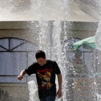 купание в фонтане :: Дарья Долгова