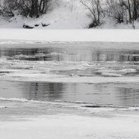 Март, река :: Виктор Столяров