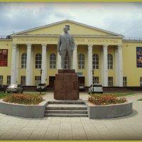 Люберецкий Дворец Культуры и памятник Ленина. :: Ольга Кривых