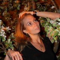 В саду) :: Мария Богданова