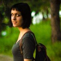 Девушка в сером... :: Никита Ромашков