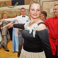 В танце :: Валерий Симонов