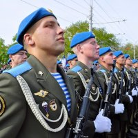 Наша воздушно-десантная , крылатая гвардия. :: Алексей Кучерюк