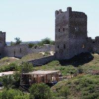 крепость в Феодосии :: Юрий Сердюков