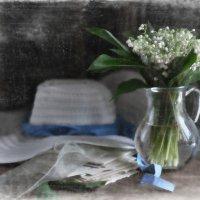 Май ароматом ландыша дурманит, тревожа тайное в душе :: Ирина Данилова