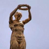 у них не было другого оружия кроме собственной храбрости... :: liudmila drake