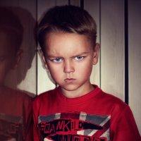 Злой мальчик Миша)) :: Yulia