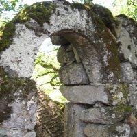 Старинные развалины... Портал. :: Arusia Davrisheva