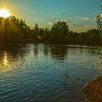 закат на реке. :: михаил скоморохов
