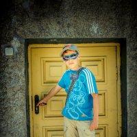 Или я вырос, или двери меньше стали! :: Vadim M