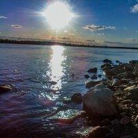 Прогулка по берегу :: Никита Пономарев
