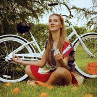 мидитирует среди апельсинов :: Julia Gytenko