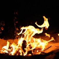 Танцы пламени 2 :: Виталий Павлов