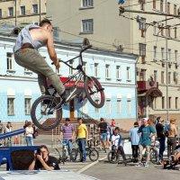 Велобульвар 18 мая в Москве :: Евгений Жиляев