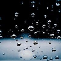 это просто дождь.... он тихо плачет за моим окном... :: Ирина Стугина