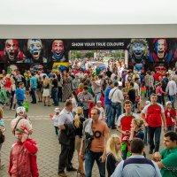 Болельщики перед матчем. :: Сергей Хомич