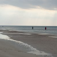 Балтийский берег Куршкая коса (ловят Кумжу) :: Ирина Шарапова