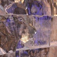 Фрагмент ледовой скульптуры :: Наталья Золотых-Сибирская