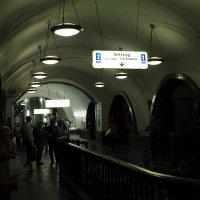 """В метро """"Площадь Революции"""" :: Владимир  Зотов"""