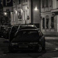 улица с ночной парковкой. :: Евгений Поляков