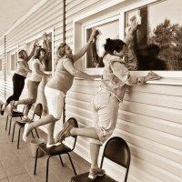*Сегодня праздник у девчат, сегодня будут танцы...* :: Сергей В. Комаров