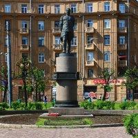 Памятник Маршалу Говорову.(пл.Стачек) :: Александр Лейкум
