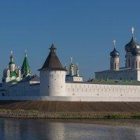 Свято-Троице-Макарьево-Желтоводский монастырь :: Дмитрий Гортинский