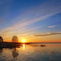 Закат на озере :: Александр Назаров