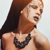 graceful :: Sandra Snow