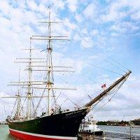cтарый корабль, грозное чье-то судно :: Andrej Winner