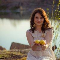 Девушка с лимонами :: Екатерина Просвирнина